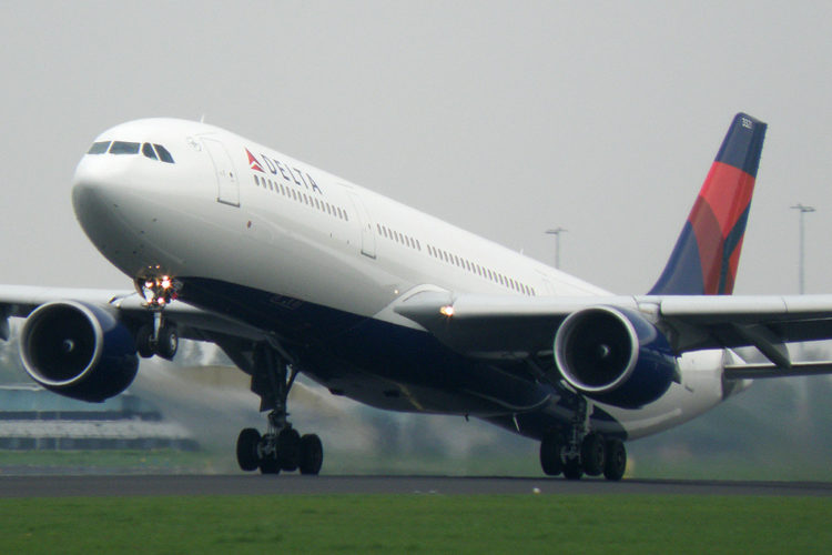 """""""Delta Airlines - Airbus A330-300 - N821NW"""" by virtualpilot88 is licensed under CC BY-NC-SA 2.0"""
